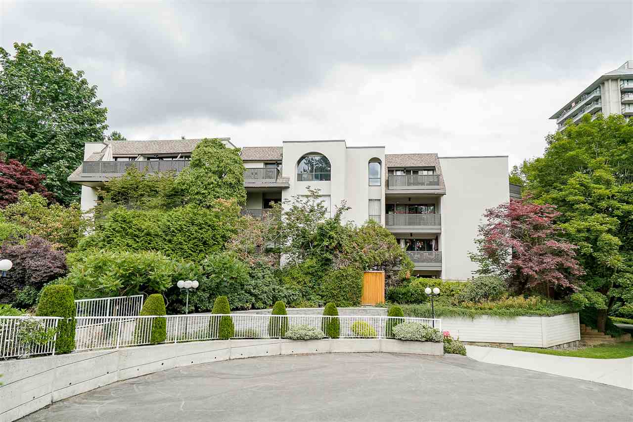 FEATURED LISTING: 315 - 1945 WOODWAY Place Burnaby