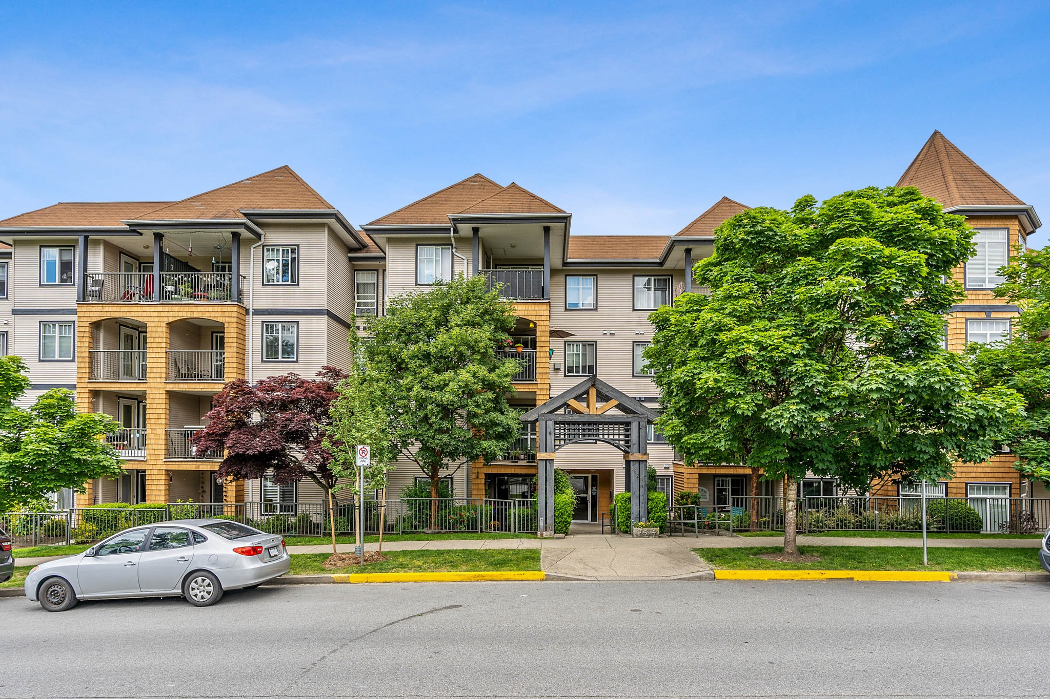 FEATURED LISTING: 408 - 12207 224 Street Maple Ridge