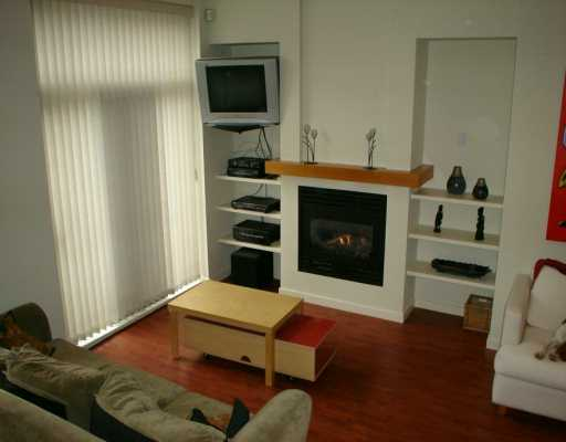 "Main Photo: 981 RICHARDS ST in Vancouver: Downtown VW Condo for sale in ""MONDRIAN 1"" (Vancouver West)  : MLS(r) # V583808"