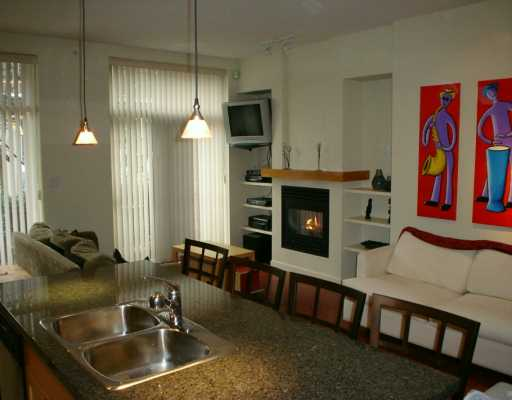"Photo 3: 981 RICHARDS ST in Vancouver: Downtown VW Condo for sale in ""MONDRIAN 1"" (Vancouver West)  : MLS(r) # V583808"