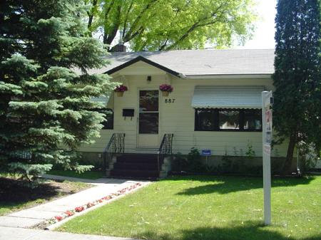 Main Photo: 887 Strathcona St. in Winnipeg: MB RED for sale : MLS® # 2610312