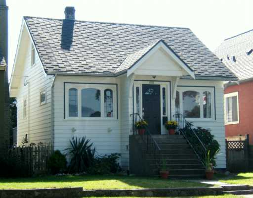 "Main Photo: 2608 WILLIAM ST in Vancouver: Renfrew VE House for sale in ""RENFREW"" (Vancouver East)  : MLS® # V613815"