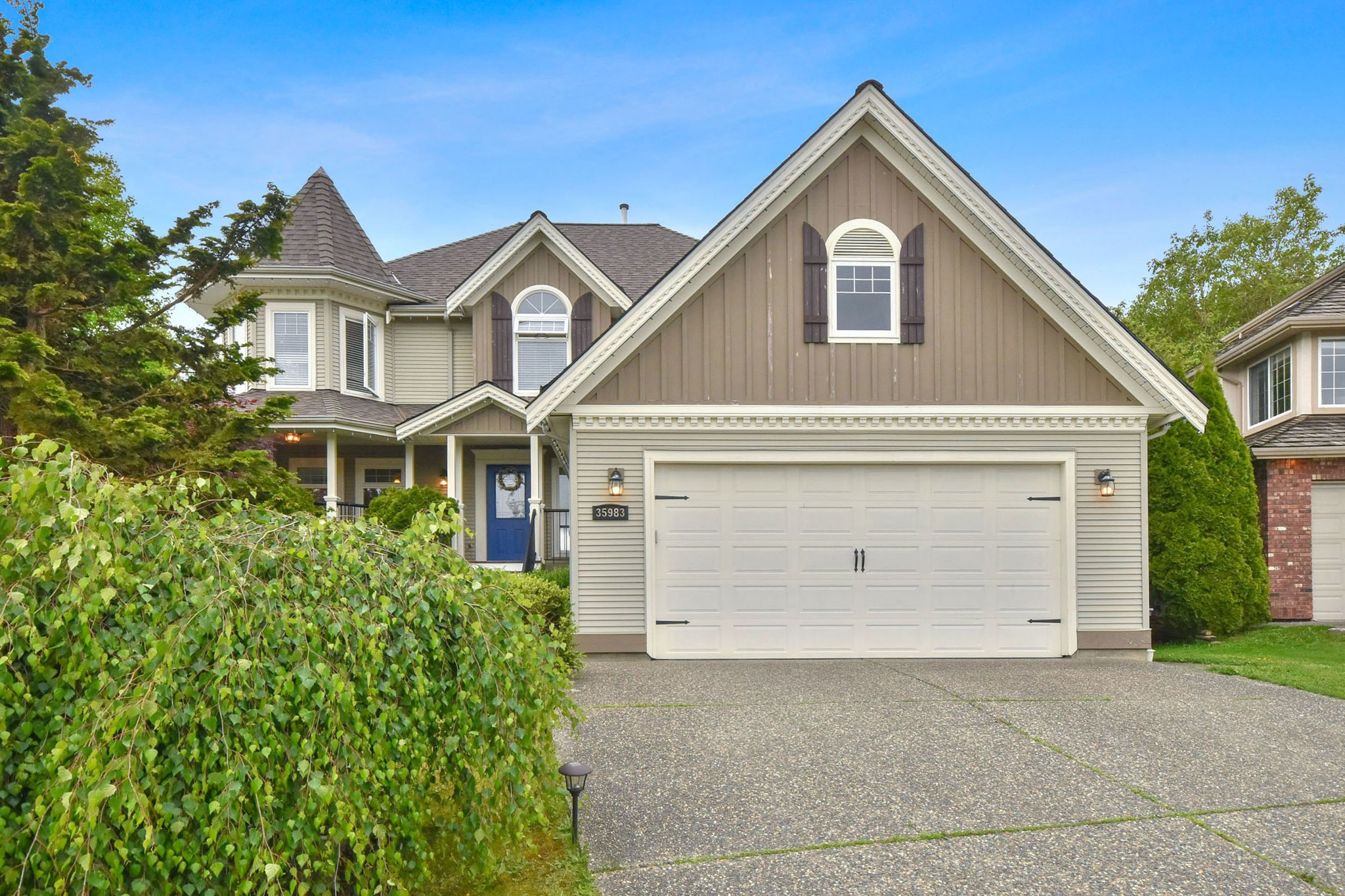 FEATURED LISTING: 35983 STONERIDGE Place Abbotsford