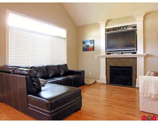 Photo 5: 34095 HIGGINSON CR in Abbotsford: Poplar House for sale : MLS(r) # F2618063
