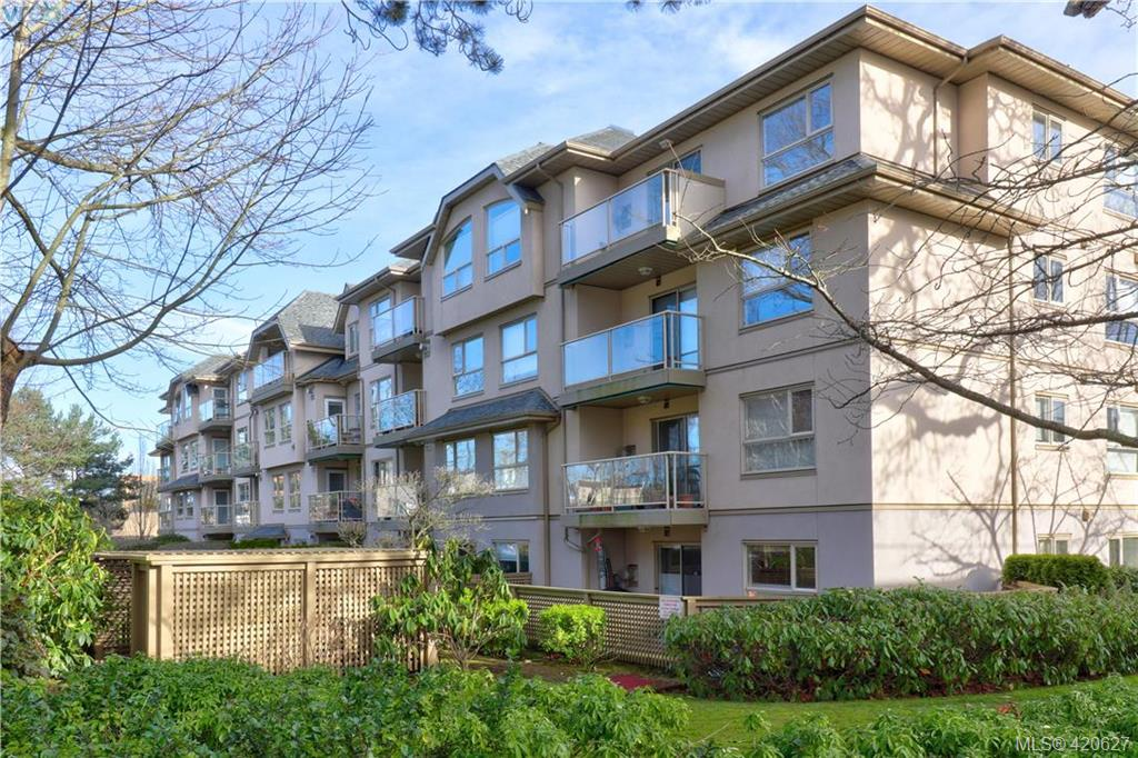 FEATURED LISTING: 101 1715 Richmond Avenue VICTORIA