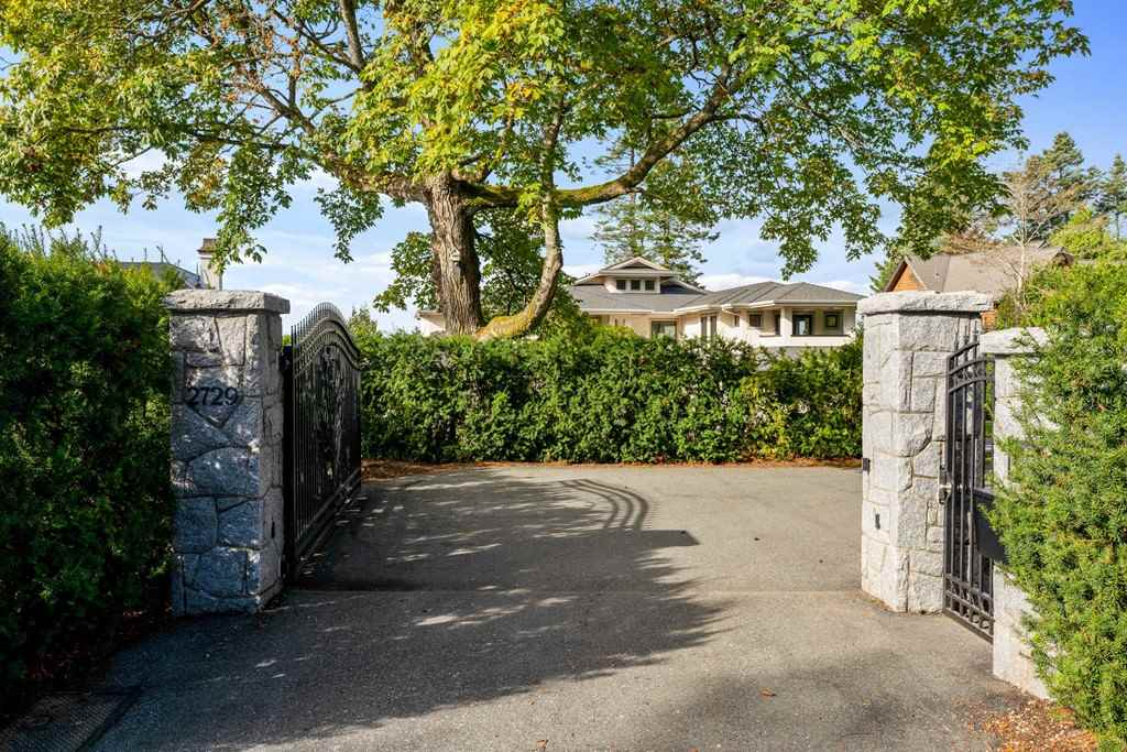 FEATURED LISTING: 2729 CRESCENT Drive Surrey