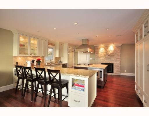 Photo 4: 1342 CAMRIDGE RD in West Vancouver: House for sale : MLS® # V804594