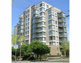 "Main Photo: 907 2288 PINE Street in Vancouver: Fairview VW Condo for sale in ""THE FAIRVIEW"" (Vancouver West)  : MLS®# V676503"
