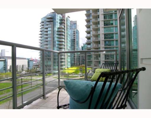 "Photo 8: 303 1710 BAYSHORE Drive in Vancouver: Coal Harbour Condo for sale in ""BAYSHORE GARDENS"" (Vancouver West)  : MLS® # V642290"