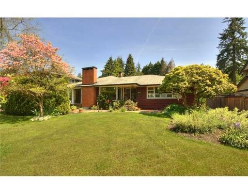 Main Photo: 635 BURLEY DR in West Vancouver: House for sale : MLS® # V829621