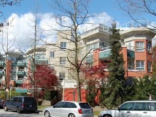 Main Photo: #215 128 W 8th St in North Vancouver: Central Lonsdale Condo  : MLS® # V822112