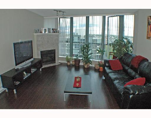 "Photo 1: 1502 1088 QUEBEC Street in Vancouver: Mount Pleasant VE Condo for sale in ""VICEROY"" (Vancouver East)  : MLS® # V710597"
