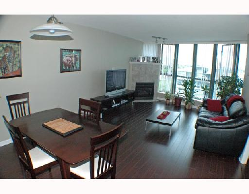 "Photo 3: 1502 1088 QUEBEC Street in Vancouver: Mount Pleasant VE Condo for sale in ""VICEROY"" (Vancouver East)  : MLS® # V710597"