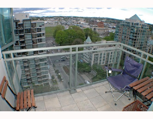 "Photo 7: 1502 1088 QUEBEC Street in Vancouver: Mount Pleasant VE Condo for sale in ""VICEROY"" (Vancouver East)  : MLS® # V710597"