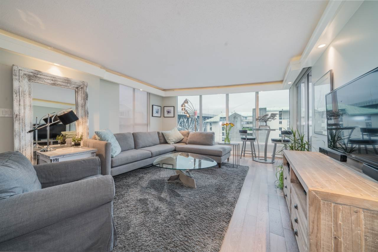 FEATURED LISTING: 806 - 1500 HOWE Street Vancouver