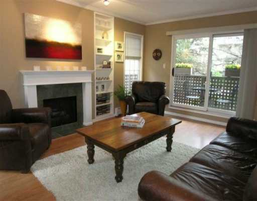 "Main Photo: 1935 W 1ST Ave in Vancouver: Kitsilano Condo for sale in ""KINGSTON GARDENS"" (Vancouver West)  : MLS® # V634797"