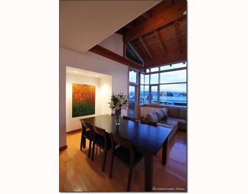 Photo 4: # 208 550 17TH ST in West Vancouver: Condo for sale : MLS® # V800376