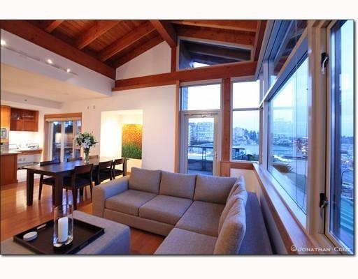 Photo 3: # 208 550 17TH ST in West Vancouver: Condo for sale : MLS® # V800376