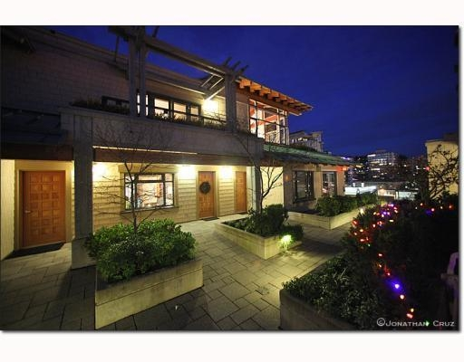 Photo 9: # 208 550 17TH ST in West Vancouver: Condo for sale : MLS® # V800376