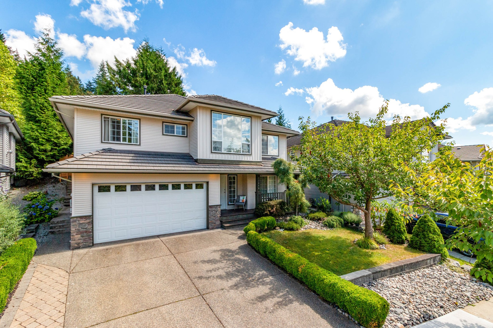 FEATURED LISTING: 23659 ROCK RIDGE Drive Maple Ridge