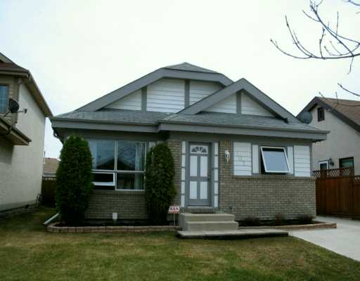 Main Photo: 107 PINETREE Crescent in WINNIPEG: West Kildonan / Garden City Single Family Detached for sale (North West Winnipeg)  : MLS® # 2706023