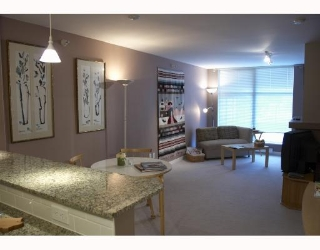 "Main Photo: 205 8460 GRANVILLE Avenue in Richmond: Brighouse South Condo for sale in ""CORONADO"" : MLS® # V691514"