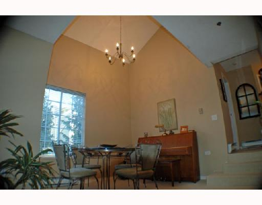 "Photo 3: 303 735 W 15TH Avenue in Vancouver: Fairview VW Condo for sale in ""WINDGATE WILLOW"" (Vancouver West)  : MLS® # V690114"