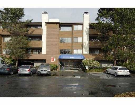 "Main Photo: 157 7293 MOFFATT Road in Richmond: Brighouse South Condo for sale in ""DORCHESTER CIRCLE"" : MLS® # V695878"