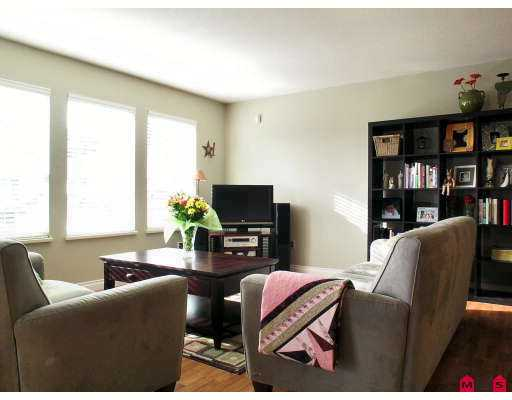 "Photo 3: 35999 EAGLECREST Place in Abbotsford: Abbotsford East House for sale in ""MOUNTAIN VILLAGE"" : MLS(r) # F2702524"