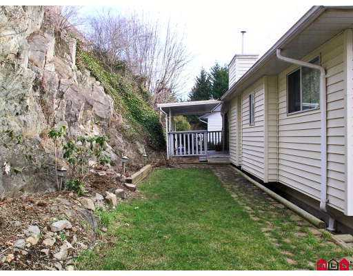 "Photo 10: 35999 EAGLECREST Place in Abbotsford: Abbotsford East House for sale in ""MOUNTAIN VILLAGE"" : MLS(r) # F2702524"