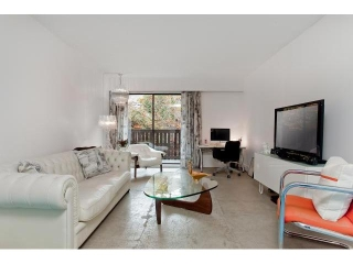 "Main Photo: # 104 930 E 7TH AV in Vancouver: Mount Pleasant VE Condo for sale in ""Windsor Park"" (Vancouver East)  : MLS® # V918328"