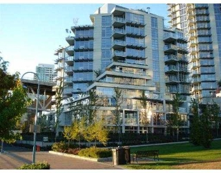 "Main Photo: 803 633 KINGHORNE MEWS Street in Vancouver: False Creek North Condo for sale in ""ICON II"" (Vancouver West)  : MLS(r) # V674604"