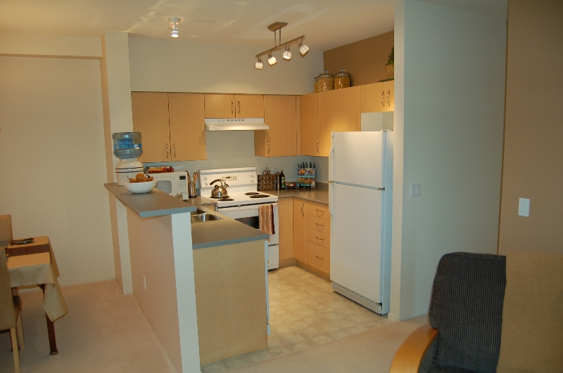 Photo 3: 55-15 Forest Park Way in Port Moody: Townhouse for sale : MLS(r) # V685974