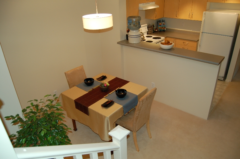 Photo 6: 55-15 Forest Park Way in Port Moody: Townhouse for sale : MLS(r) # V685974