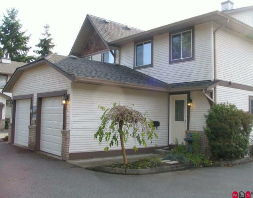 "Main Photo: 6 9539 208TH Street in Langley: Walnut Grove Townhouse for sale in ""COUNTRY BROOK ESTATES"" : MLS(r) # F2924918"