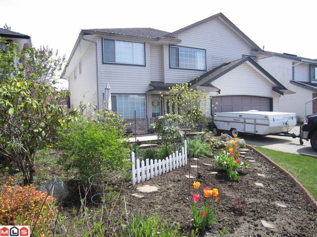 Main Photo: 8442 CADE BARR ST in Mission: Mission BC House for sale : MLS® # F1112041