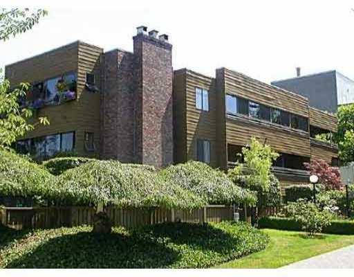 "Main Photo: 304 2424 CYPRESS Street in Vancouver: Kitsilano Condo for sale in ""CYPRESS PLACE"" (Vancouver West)  : MLS(r) # V646941"