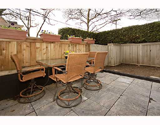 "Photo 10: 17 888 W 16TH Avenue in Vancouver: Cambie Townhouse for sale in ""LAUREL MEWS"" (Vancouver West)  : MLS® # V697834"