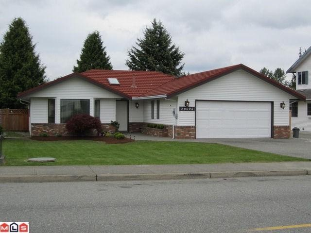 Main Photo: 20095 50TH AV in Langley: Langley City House for sale : MLS(r) # F1113620