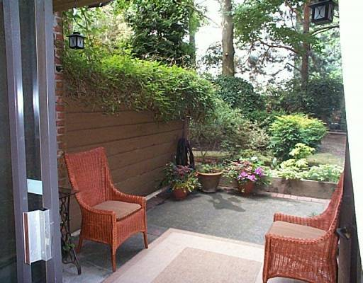 "Photo 3: 102 2320 W 40TH Ave in Vancouver: Kerrisdale Condo for sale in ""MANOR GARDENS"" (Vancouver West)  : MLS® # V646054"