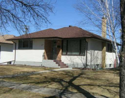 Main Photo: 513 DUNROBIN Avenue in WINNIPEG: East Kildonan Single Family Detached for sale (North East Winnipeg)  : MLS(r) # 2705376