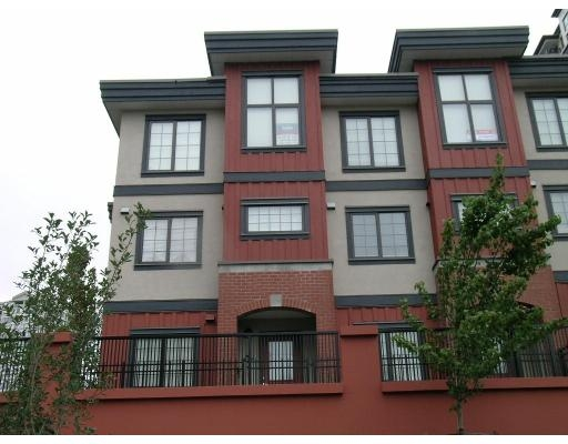 Main Photo: 829 AGNES ST in New Westminster: Downtown NW Townhouse for sale : MLS® # V671098