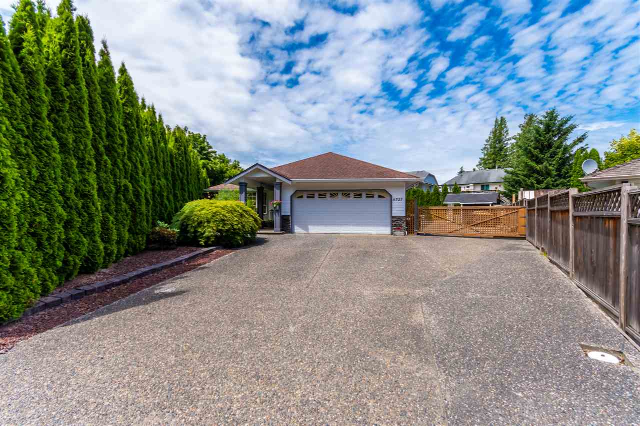 FEATURED LISTING: 5727 WINCHESTER Place Chilliwack
