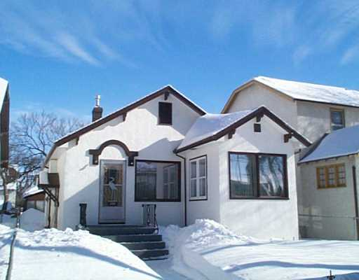 Main Photo: 223 MACHRAY Avenue in Winnipeg: North End Single Family Detached for sale (North West Winnipeg)  : MLS(r) # 2502890
