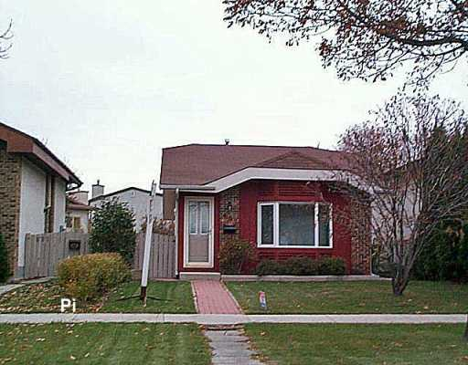 Main Photo: 687 NOVAVISTA Drive in Winnipeg: St Vital Single Family Detached for sale (South East Winnipeg)  : MLS® # 2618502
