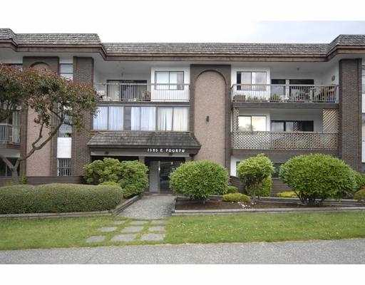 "Main Photo: 205 1585 E 4TH Avenue in Vancouver: Grandview VE Condo for sale in ""ALPINE PLACE"" (Vancouver East)  : MLS®# V660323"