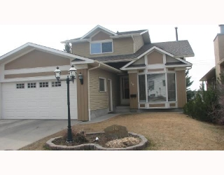 Main Photo: 16 RANCHRIDGE Crescent NW in CALGARY: Ranchlands Residential Detached Single Family for sale (Calgary)  : MLS® # C3321527
