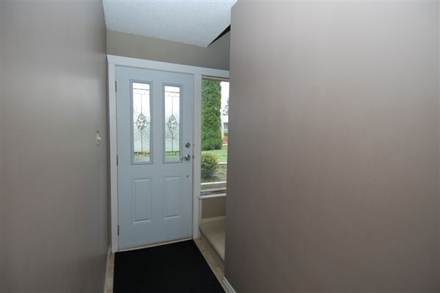 Photo 3: Photos: 6319 FAIRVIEW PLACE in DUNCAN: House for sale : MLS®# 285586