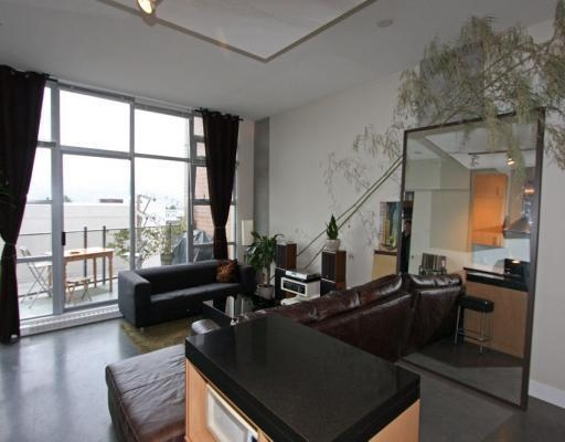 Photo 2: # 301 2635 PRINCE EDWARD ST in Vancouver: Condo for sale : MLS® # V806575