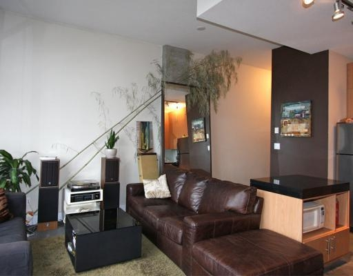 Photo 3: # 301 2635 PRINCE EDWARD ST in Vancouver: Condo for sale : MLS® # V806575